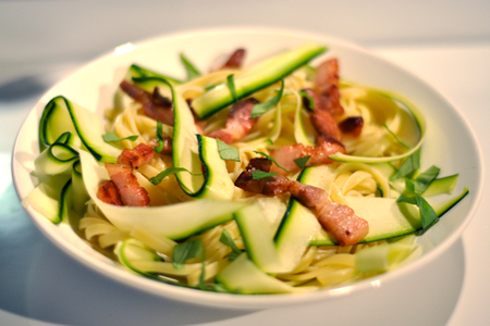 recette tagliatelles courgettes et lardons menu by menu. Black Bedroom Furniture Sets. Home Design Ideas