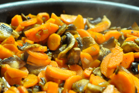Recette - Carottes et champignons à la poêle - Menu By Menu